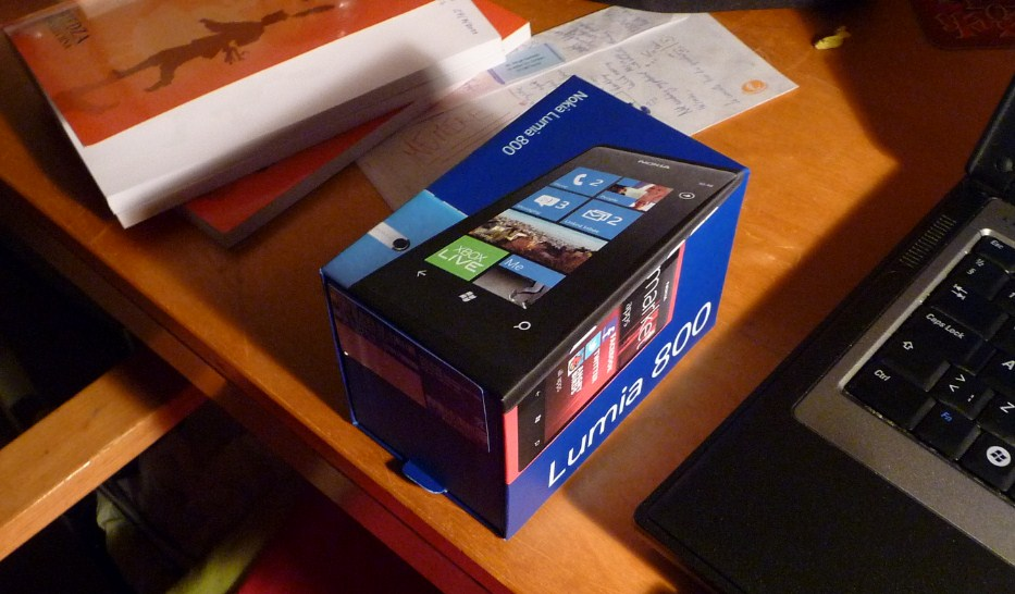 The Lumia 800 Packaging
